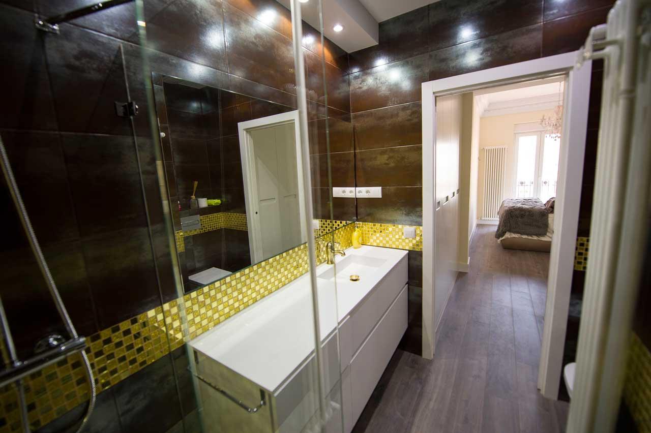 baño reformado por la empresa de reformas en Madrid Honra2