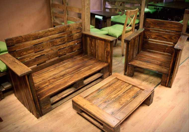 muebles hechos de madera