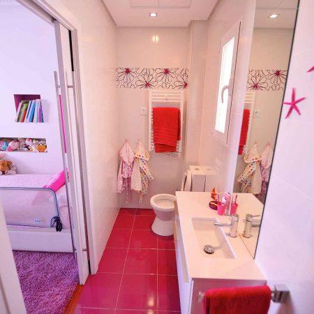reforma baño infantil piso en calle Goya