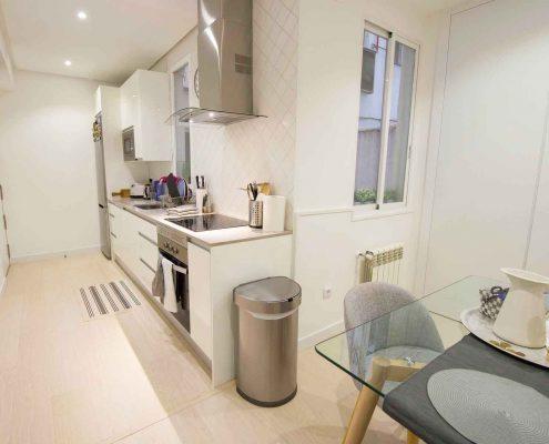 cocina abierta al salón piso calle Jorge Juan