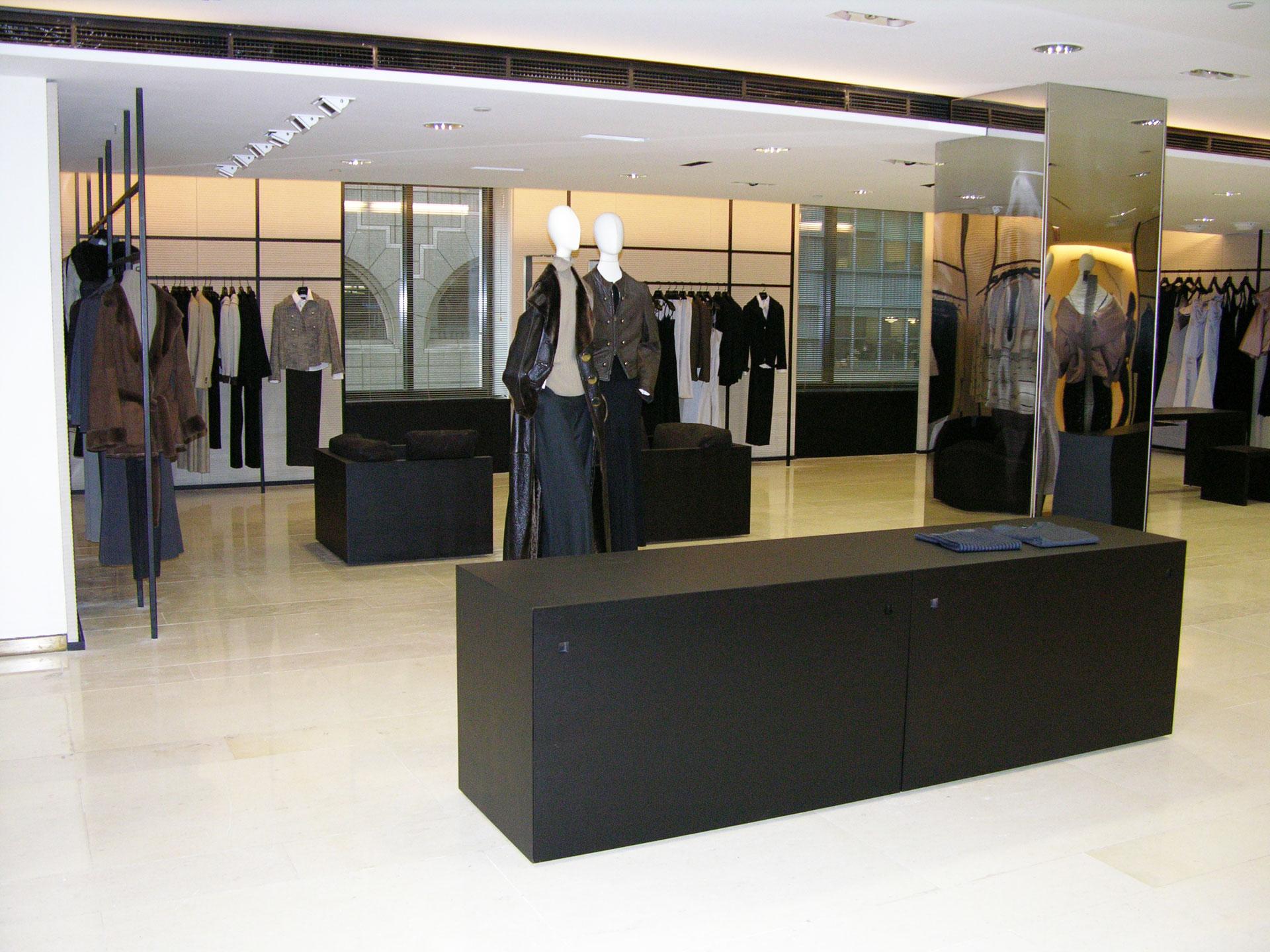 Reforma realizada en tienda de moda