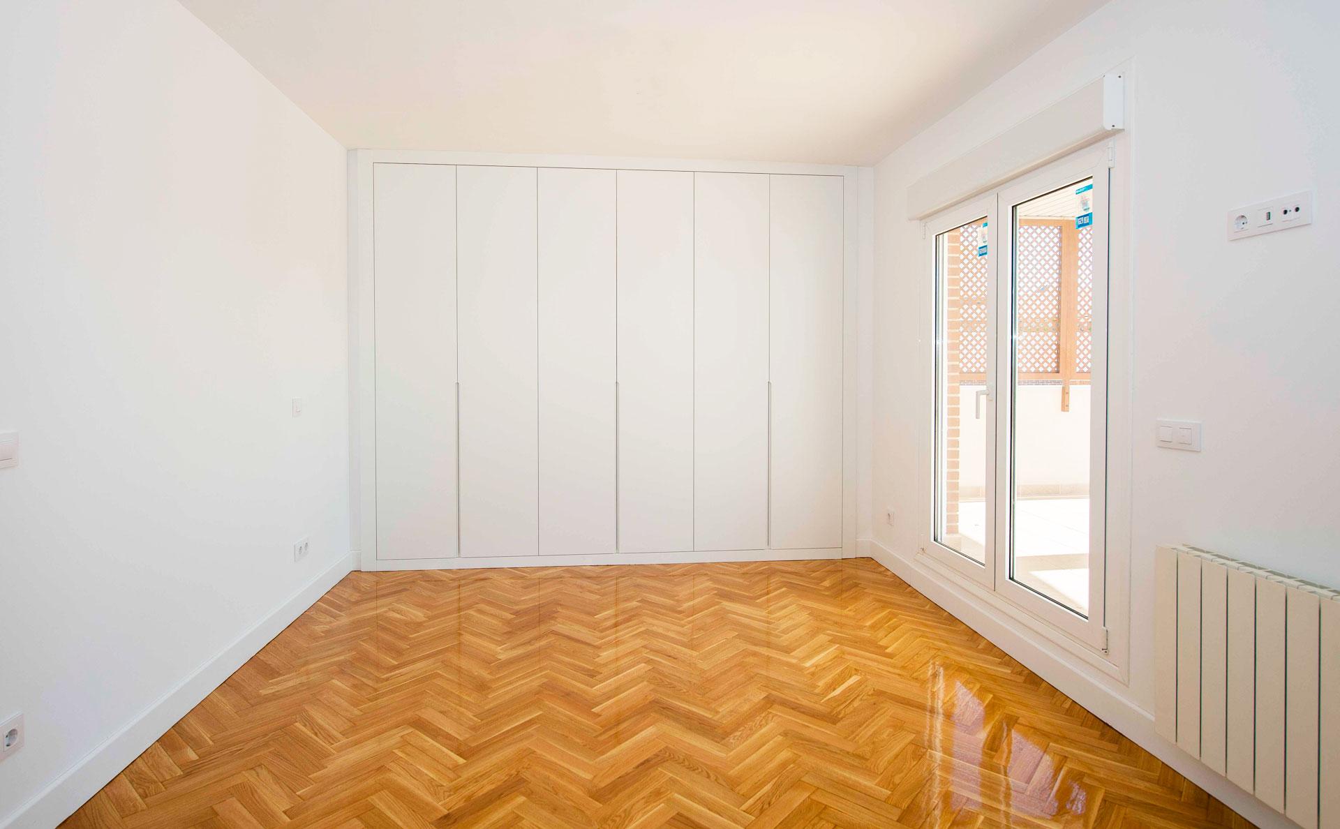 Dormitorio principal de ático en Madrid