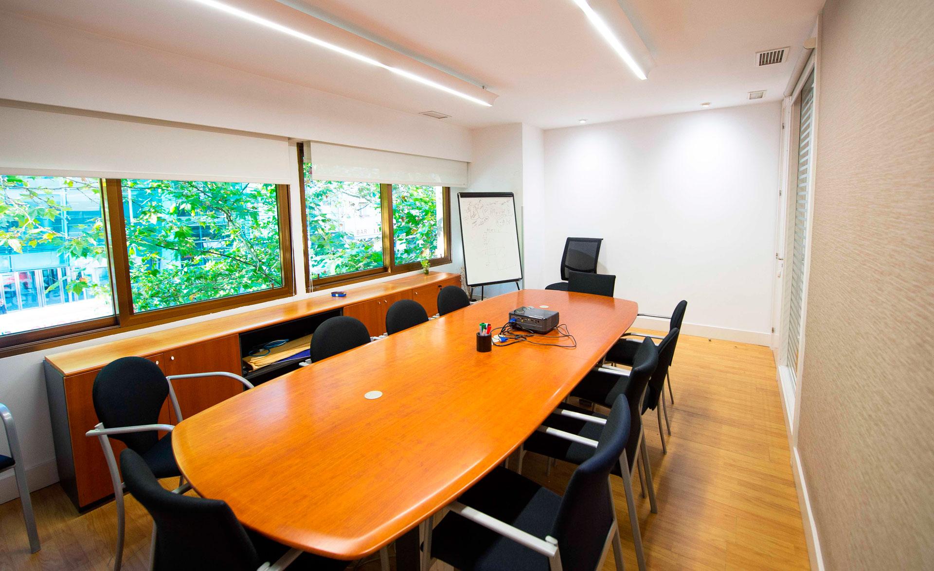 sala juntas oficinas Gran Vía
