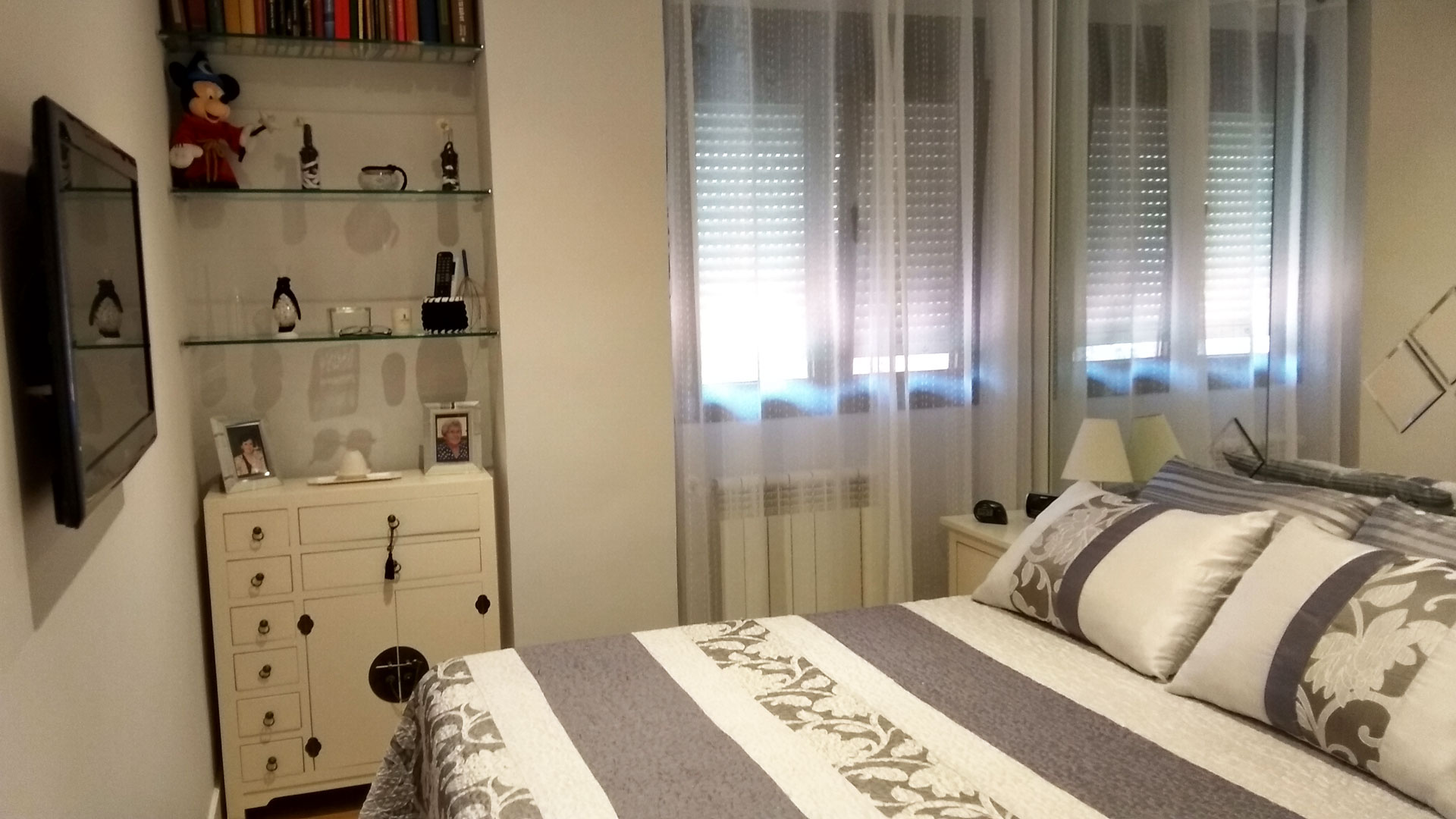 Dormitorio principal de piso reformado en Pinar de Chamartín