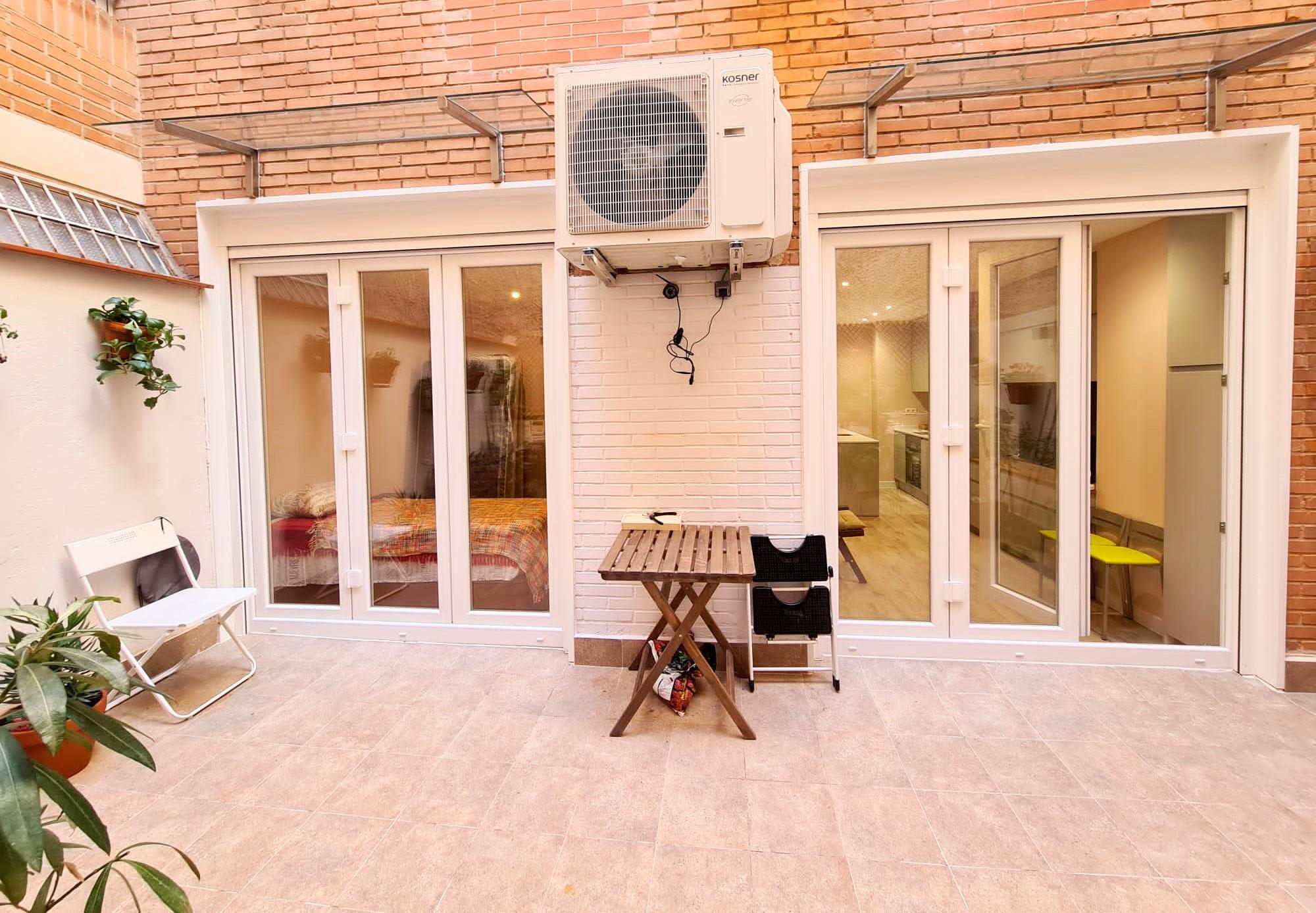 Puertas plegables entrada patio