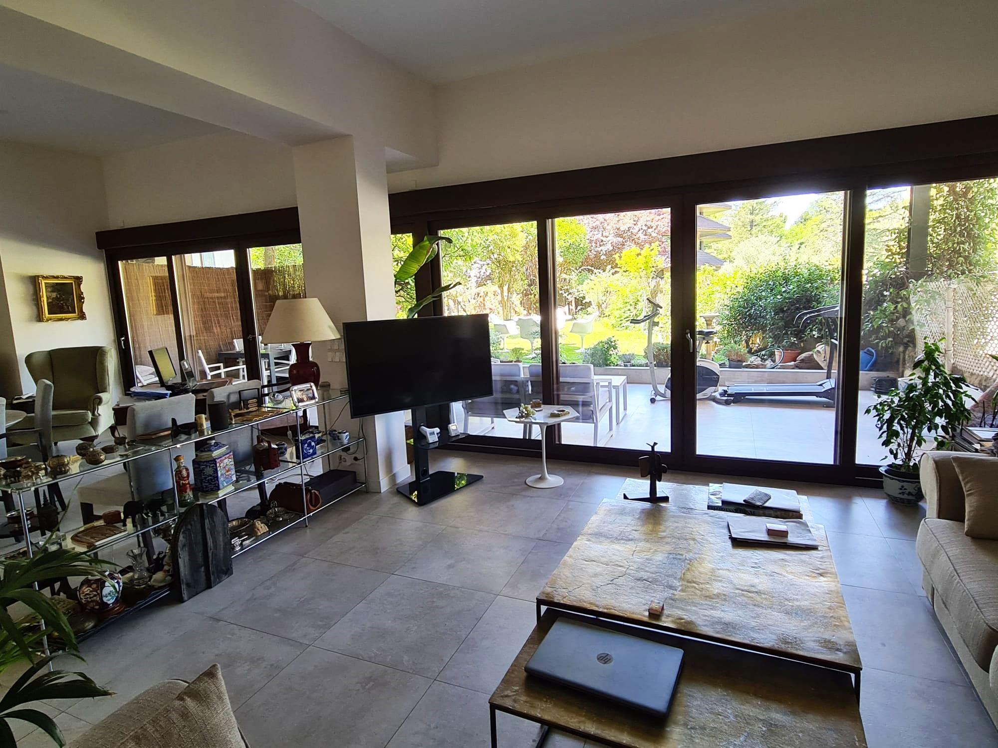 Salón de chalet en urbanización La Finca en La Moraleja Madrid